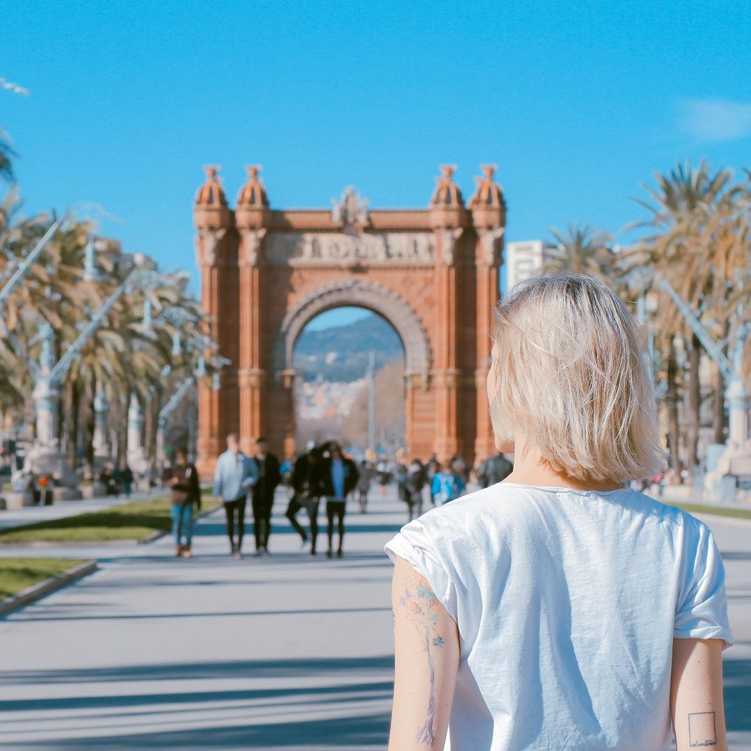 Arc de triumph - barcelona - 1080x1080